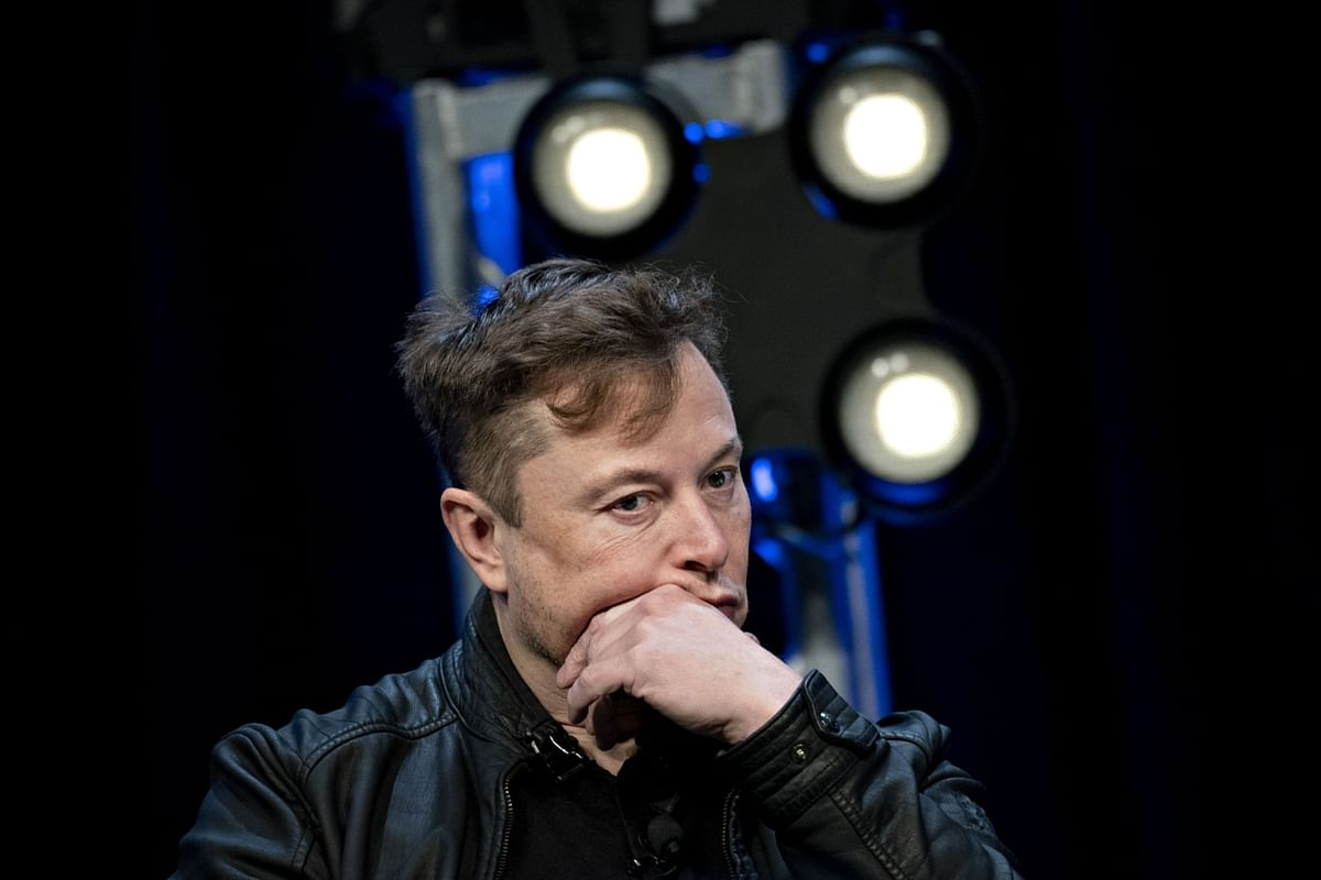 Tesla's Musk Says He May Have Covid-19, Calls Tests 'Extremely Bogus'