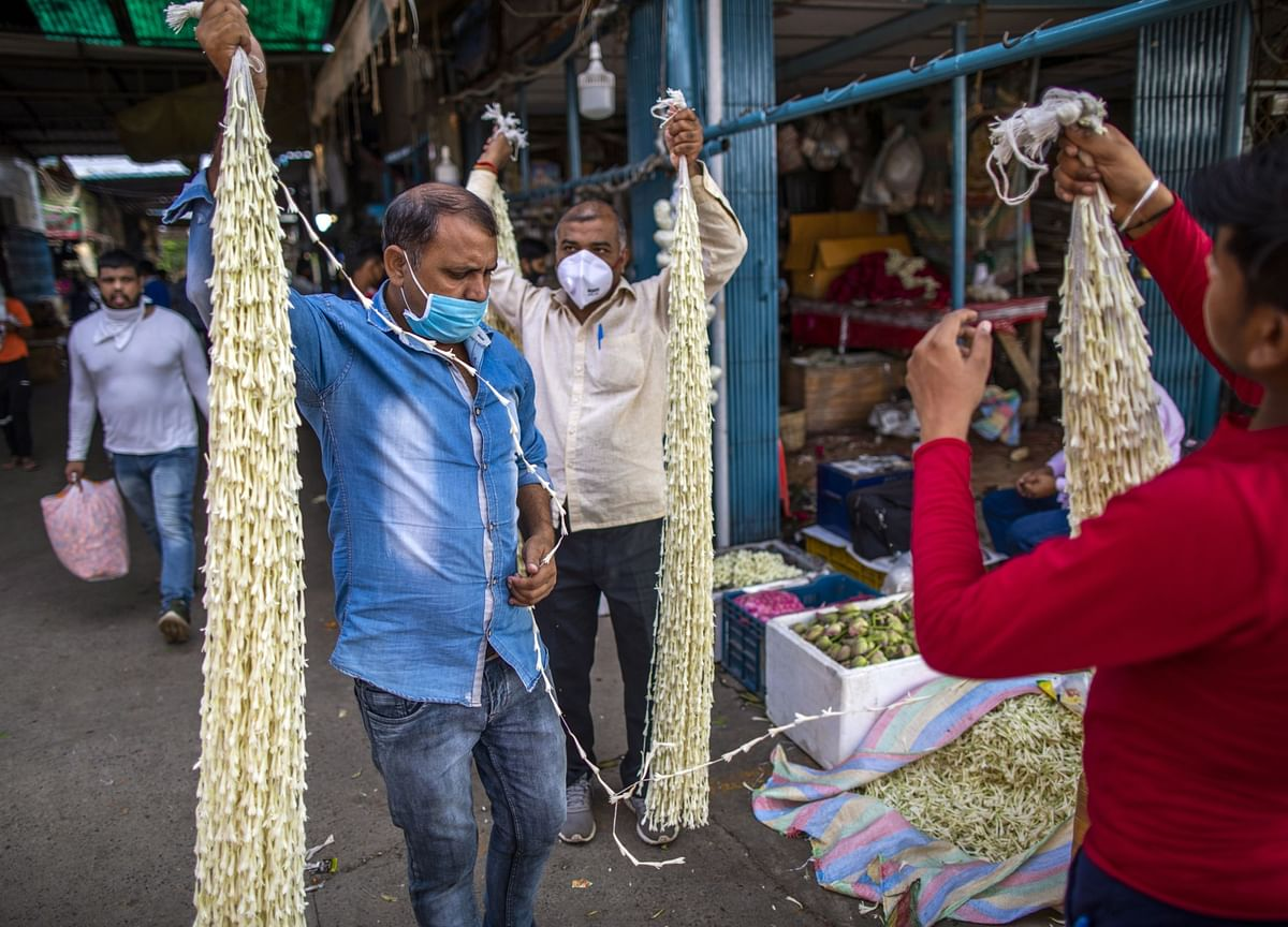 India's Falling Wholesale Prices Signal Muted Inflation Pressure