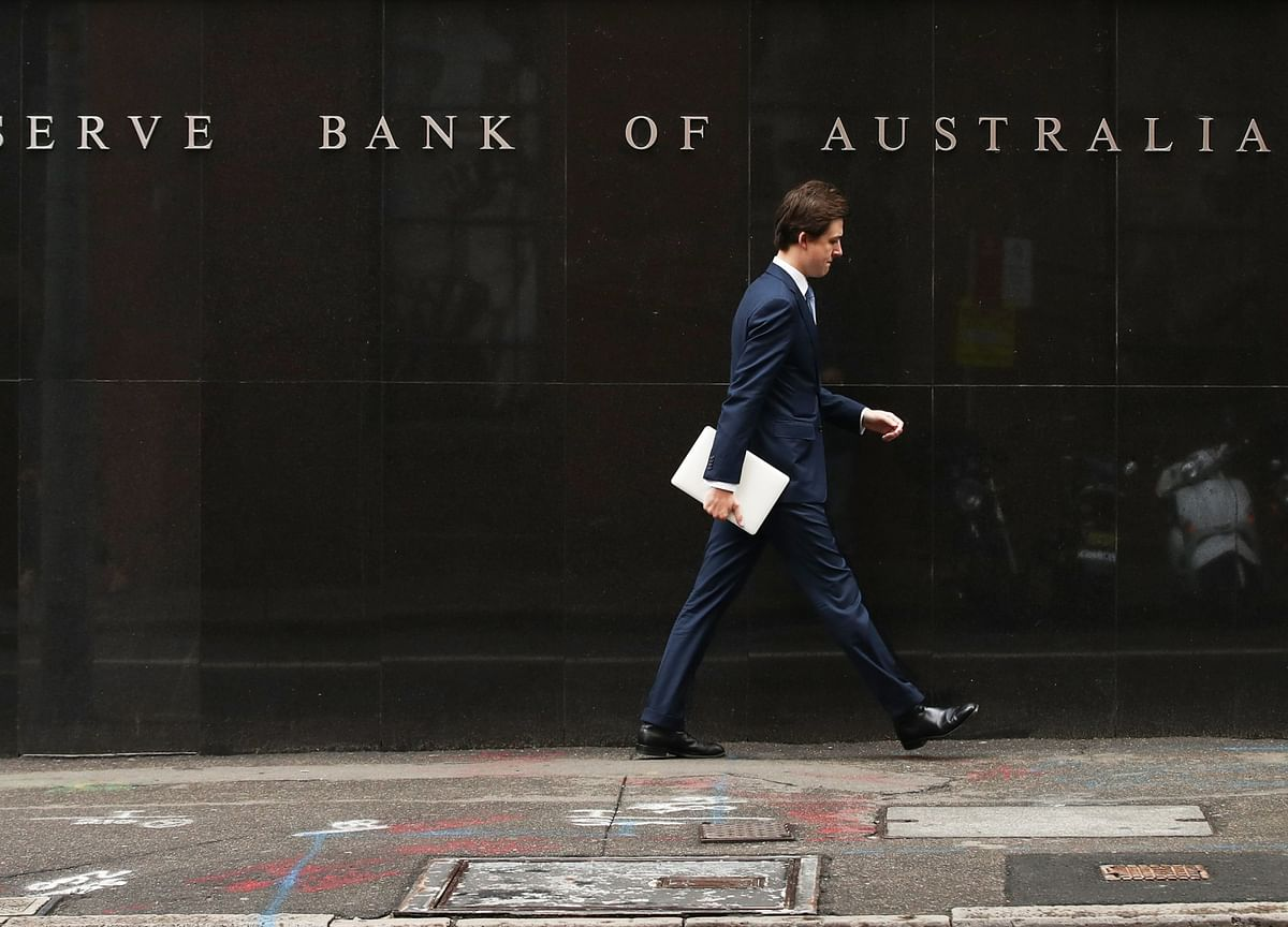 Australia Real Interest Rates Rise in Challenge for Central Bank