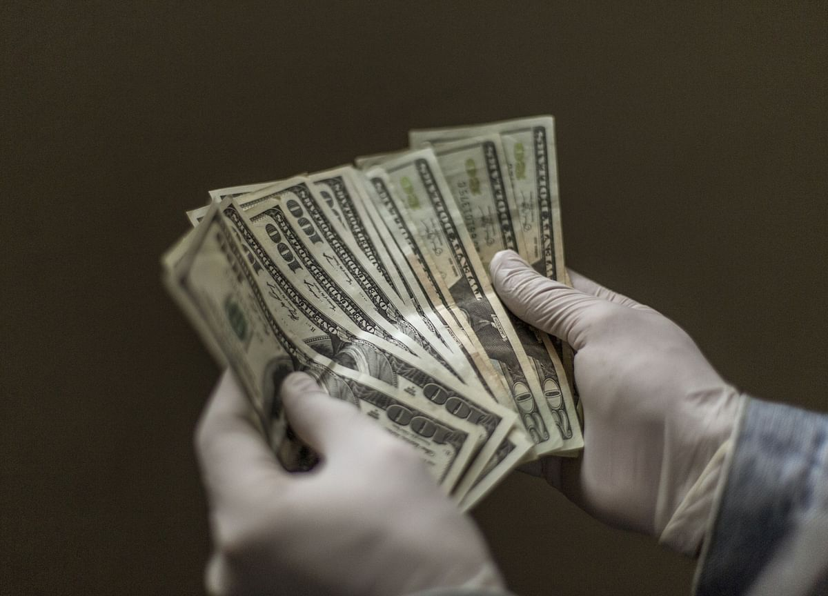 Wealthy Investors Worry About Lack of Cash If Pandemic Returns