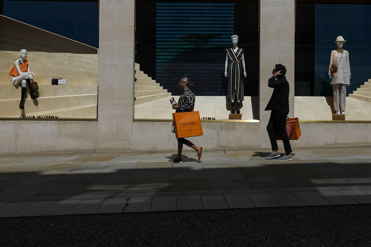 One In Four British Fashion Jobs May Disappear, Group Says