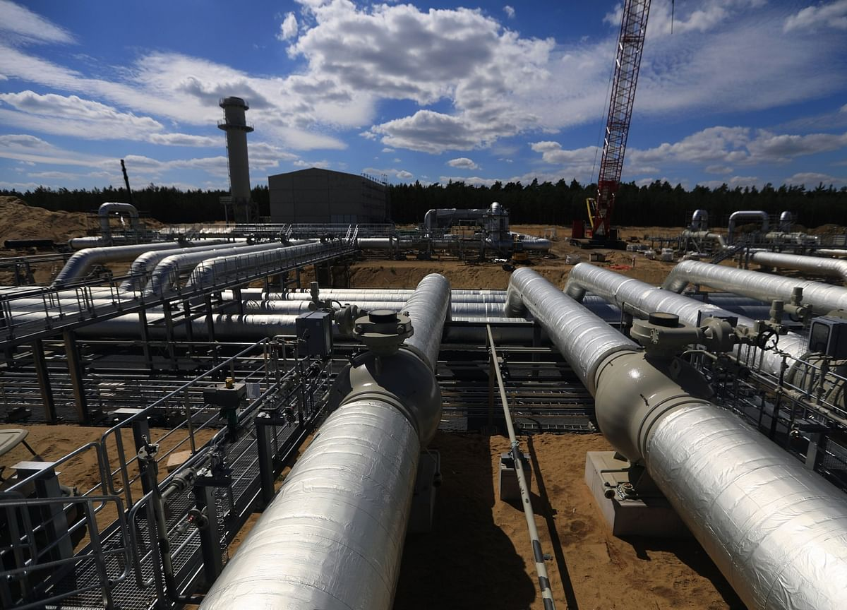 Utility Giant Kills Gas Pipeline, Sells Assets to Berkshire