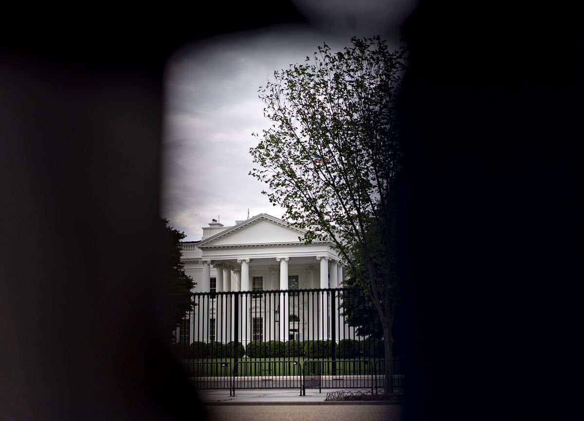 White House Wants Stimulus by August Recess With $1 Trillion Cap