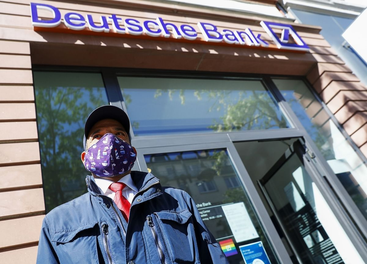 Deutsche Bank Weighs Move to 2-Days-a-Week Remote Working