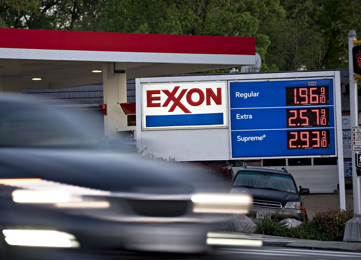 Exxon Booted from Dow Industrials in Major Embrace of Tech