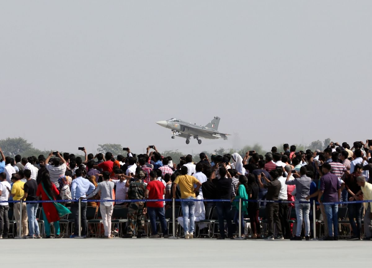 India to Sell Stake Worth $680 Million in Fighter Jet Maker