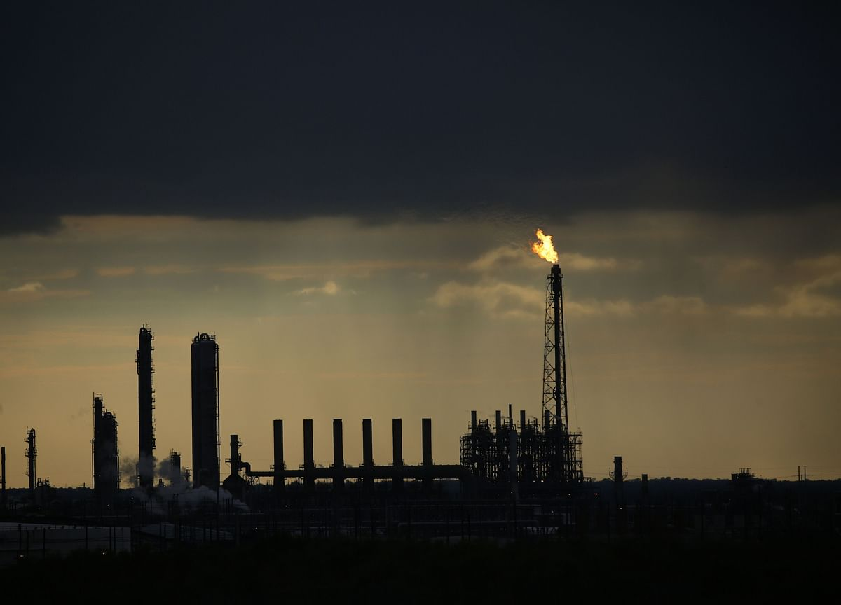 Oil and Gasoline Dip With Refineries Spared From Worst of Laura