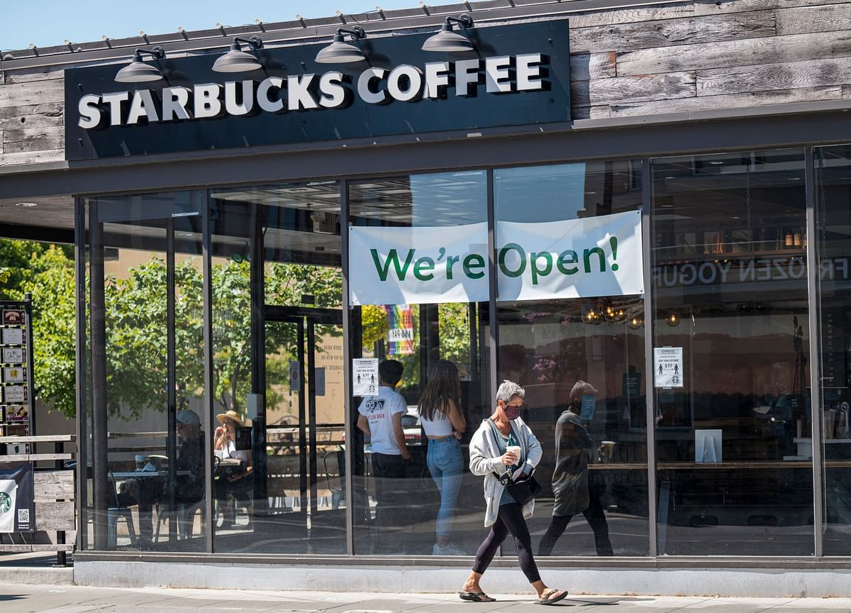 Starbucks Cafe's Covid Outbreak Spared Employees Who Wore Masks