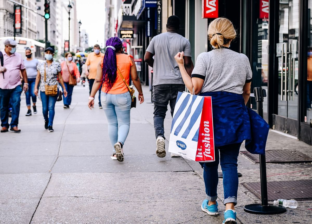 U.S. Consumer Sentiment Remains Weak Amid Pessimism on Outlook