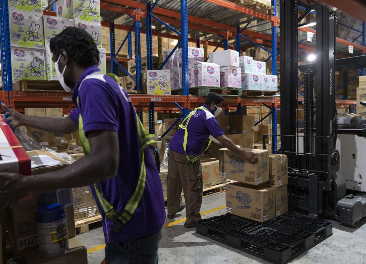 Singapore Tightens Restrictions for Foreign-Worker Passes