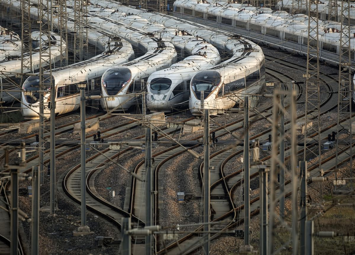China Doesn't Need 125,000 Miles of Track