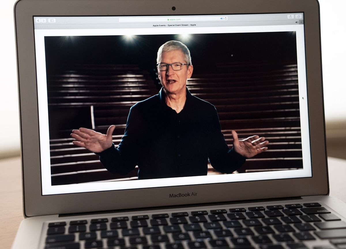 Apple's Tim Cook Is Poised to Get $279 Million Annual Stock Payout