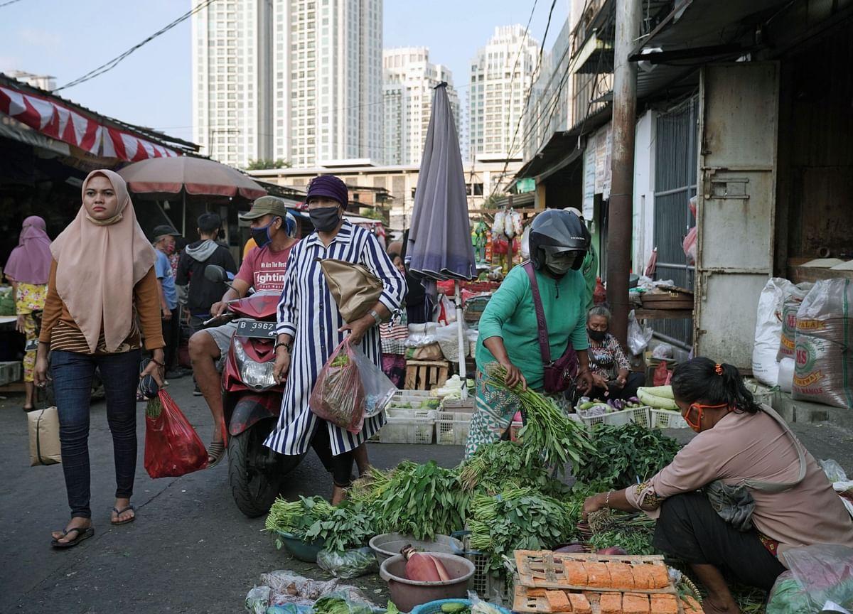 Indonesia Ramps Up Stimulus Spending to Revive Sluggish Demand