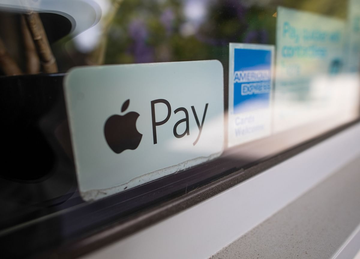 Apple Buys Startup to Turn iPhones Into Payment Terminals