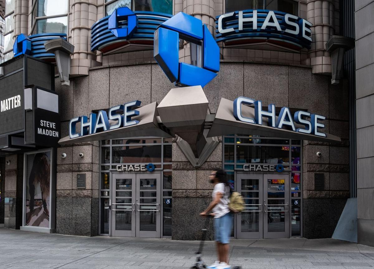 JPMorgan Tells Senior Traders to Restaff Offices by Sept. 21