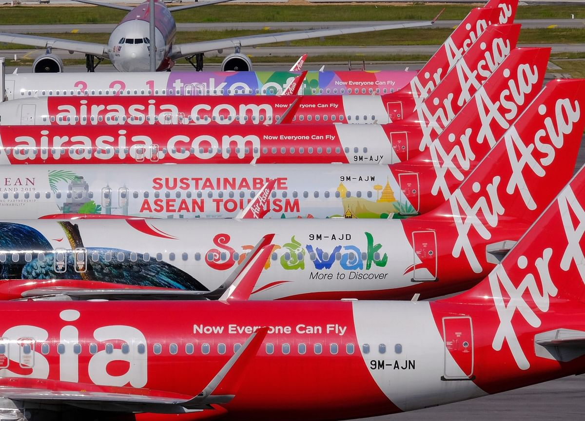 Top AirAsia Officials Suspended as Pilot Alleges Safety Lapses
