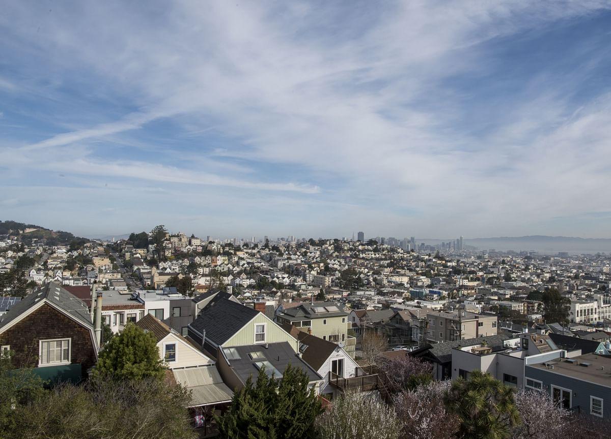 Manhattan Apartment Rents Plunge 10% in Pandemic-Fueled Exodus