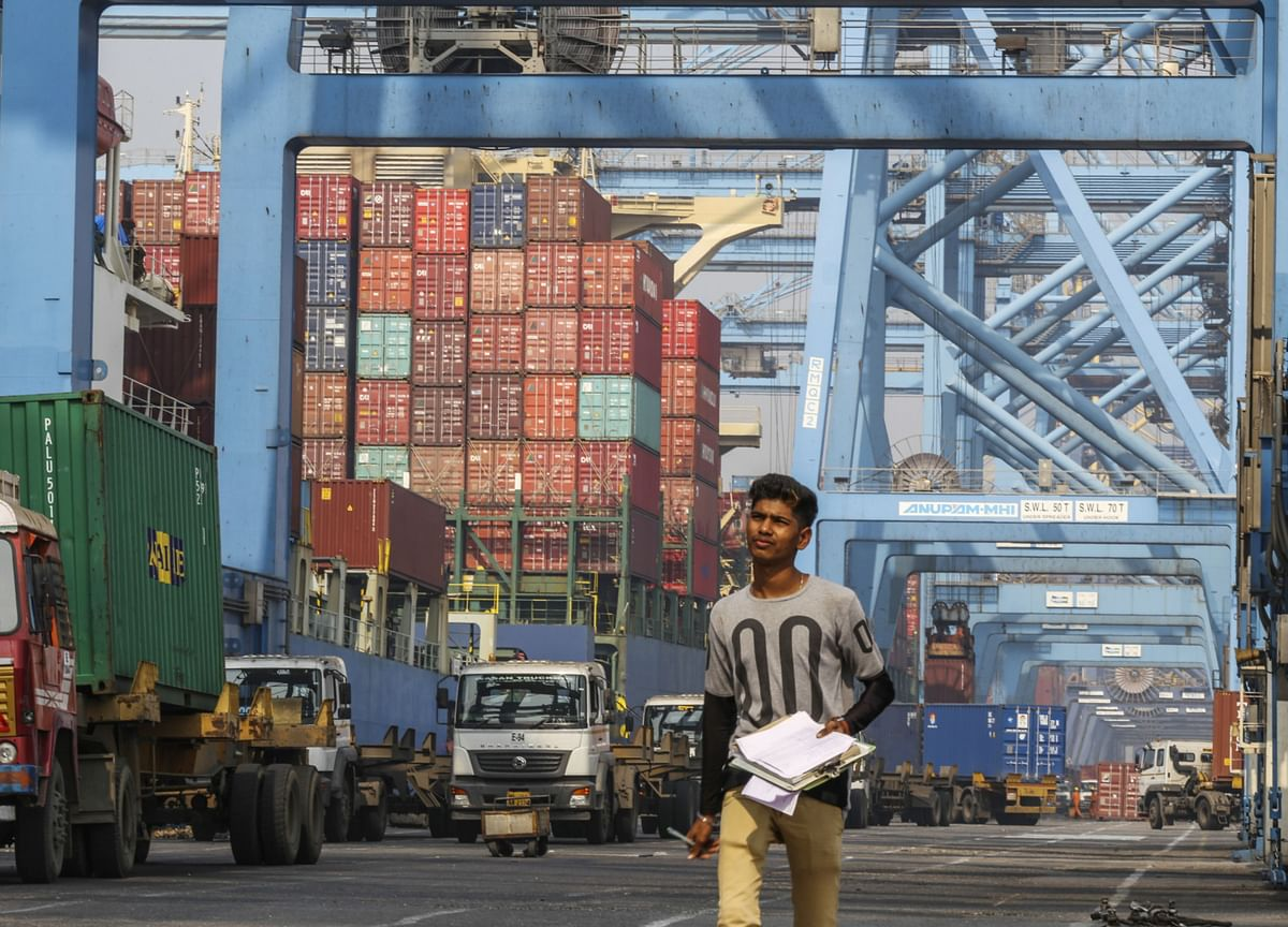 India's Exports Rise After Seven Months, Trade Deficit Narrows