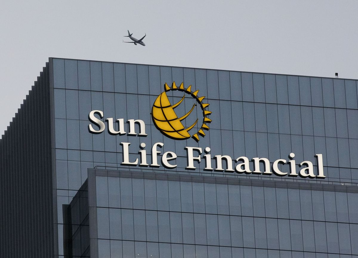 Sun Life Opens Singapore Office, Looks for Acquisitions in Asia