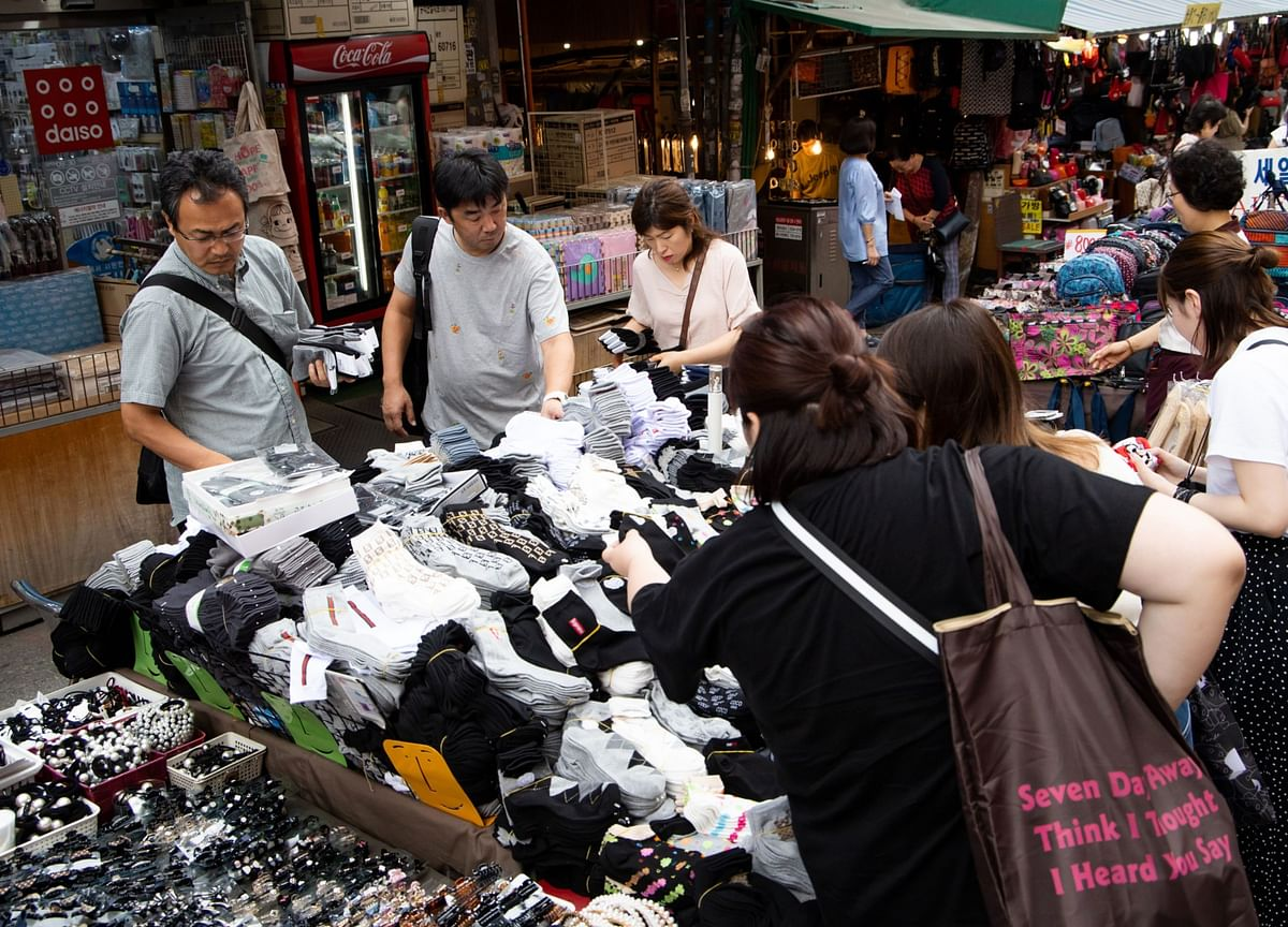 South Korean Consumer Prices Rise for First Time Since April