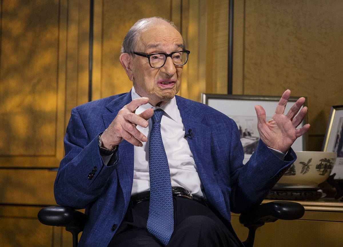 Greenspan Says U.S. Virus Failure Threatens Recovery, Aids China