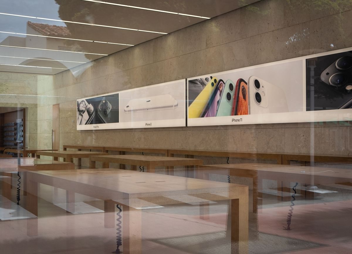 Apple to Reopen Some U.S. Stores That Were Shuttered Twice by Covid