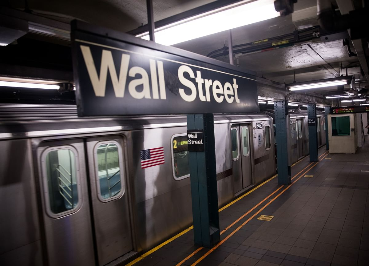 Wall Street Return-to-Work Push Finds Virus Won't Cooperate