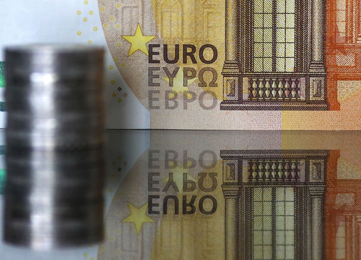 ECB Officials Walk a Fine Line in Struggle to Contain Euro Gains