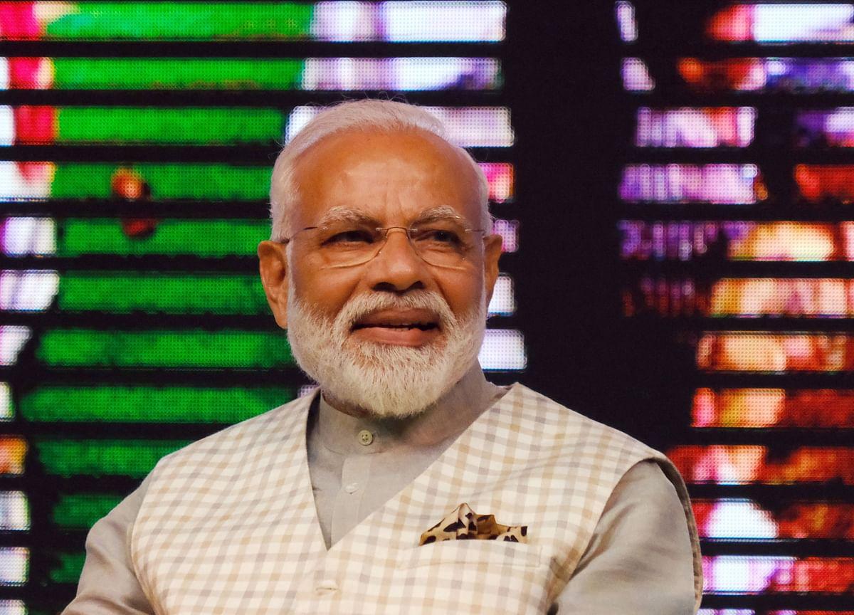 PM Modi Asks Virat Kohli About Yo-Yo Test, Praises J&K Woman Footballer Afshan Ashiq