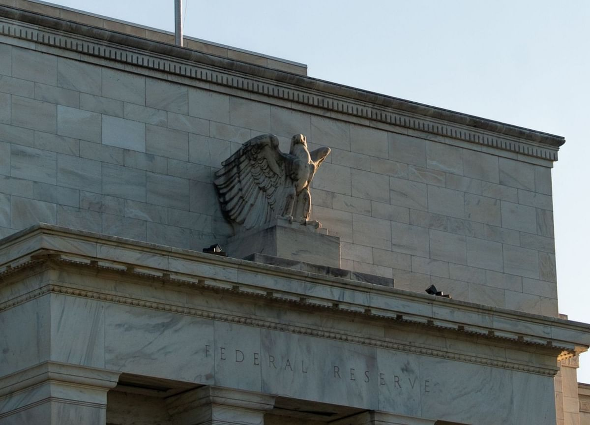 Fed Says Economy Showing Progress But Uncertainty Persists