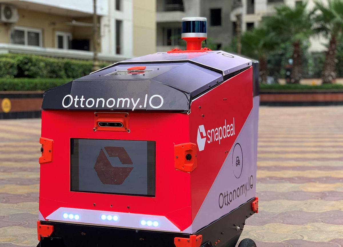 Snapdeal Tests Last-Mile Delivery Using Ottonomy IO's Robots