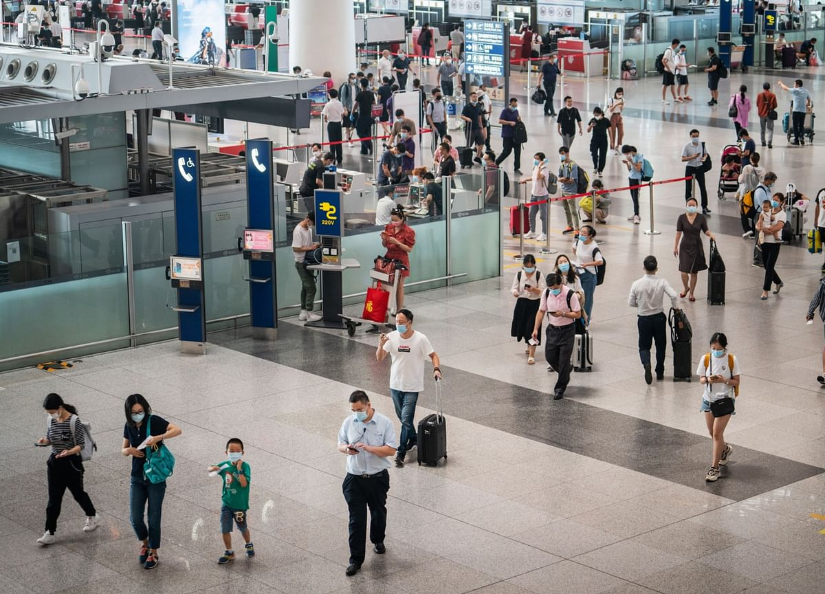 China Eases Entry Rules for Foreigners for Work, Reunions
