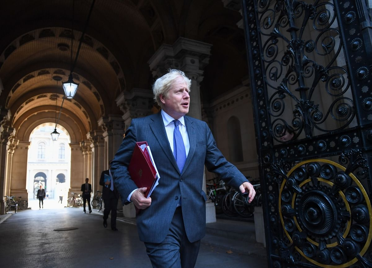 Johnson's Charm Runs Out With Brexit Deal on a Knife Edge