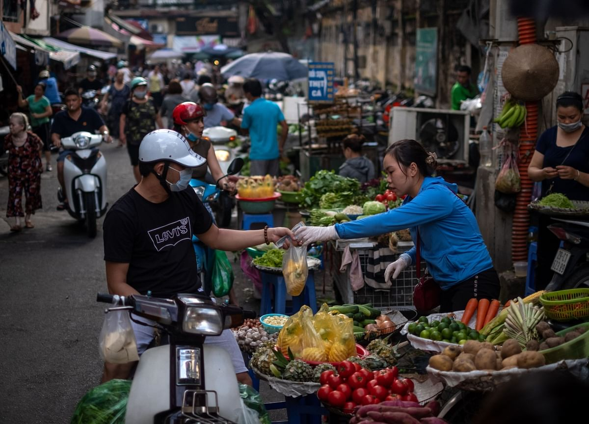 Vietnam's Economic Growth Accelerates on Industry, Exports