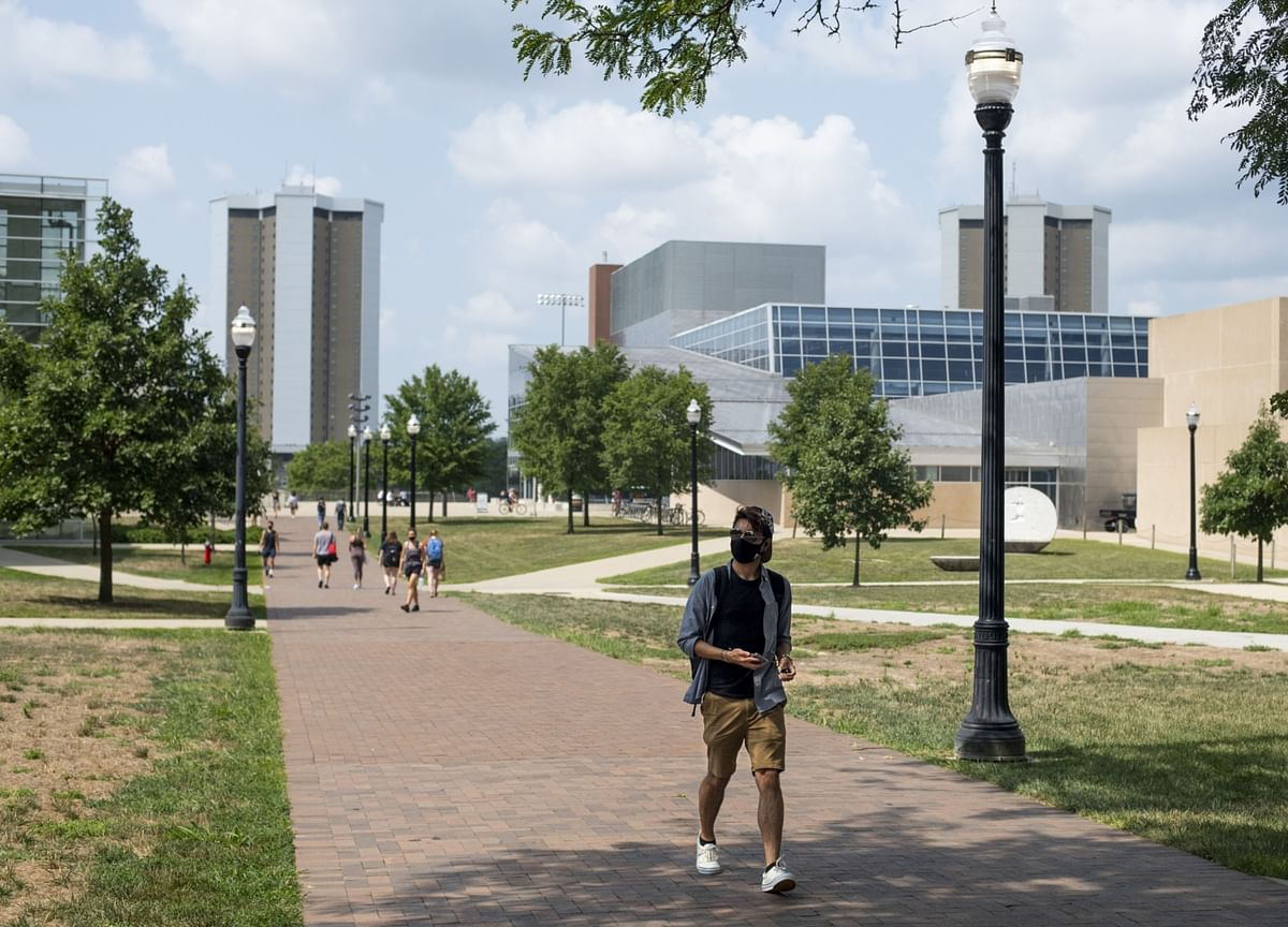 U.S. Is No Longer Land of Opportunity for Foreign MBA Students