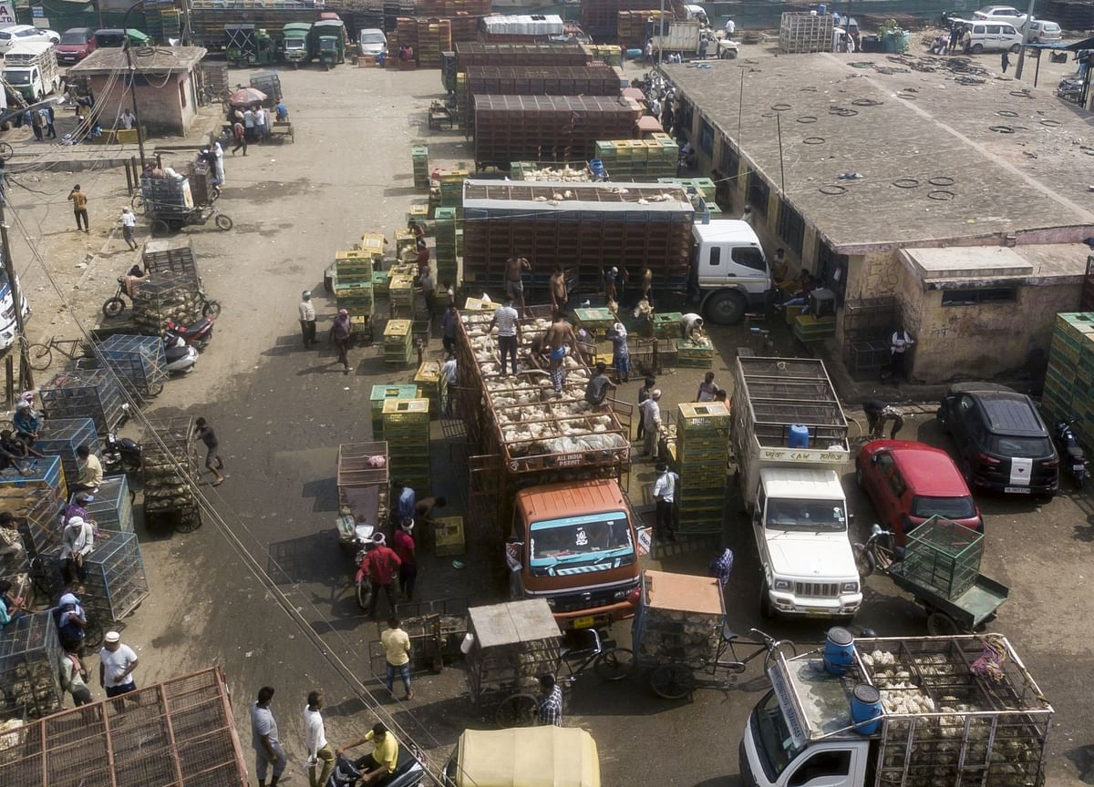 Transporters Threaten Strike In North India To Support Agitating Farmers
