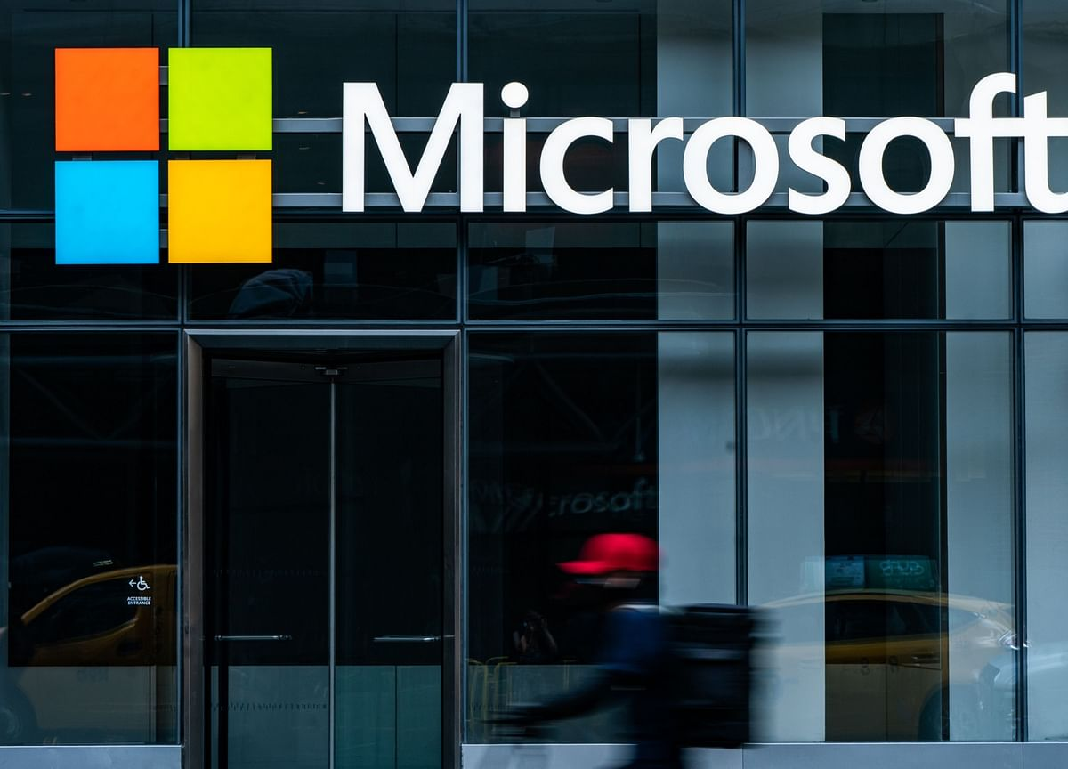 Microsoft Pledges to Get Gaming Service on iPhones
