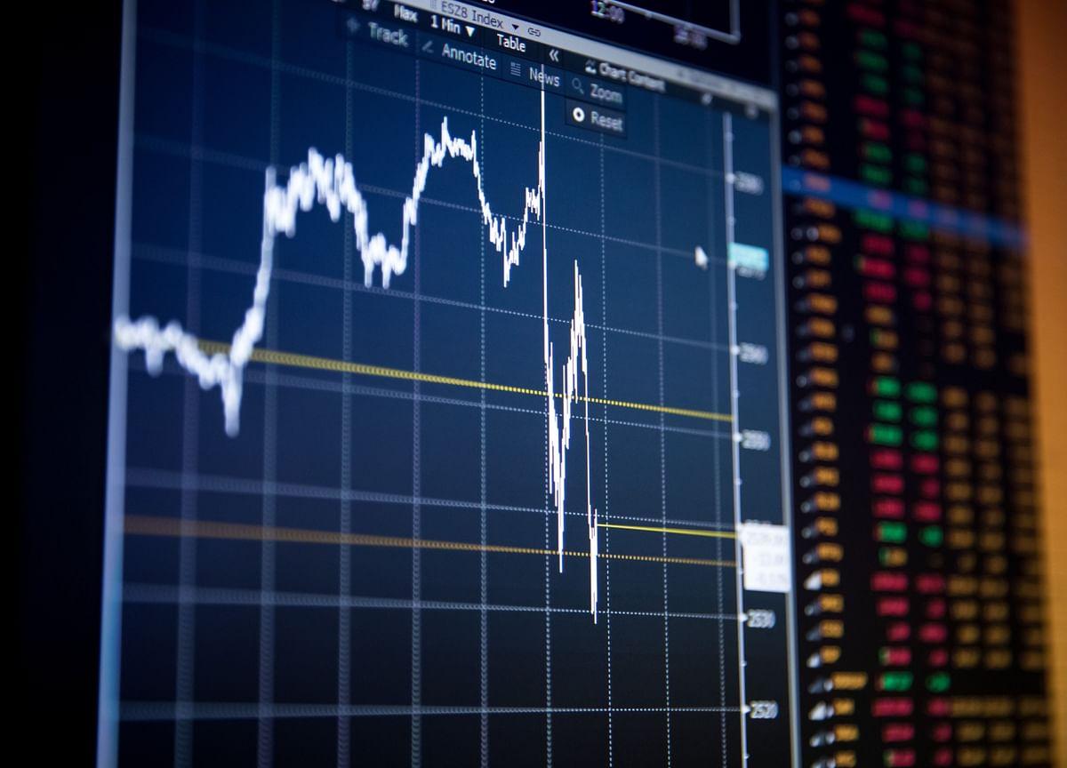 Stocks Climb, Led by Big Tech; Crude Oil Declines: Markets Wrap