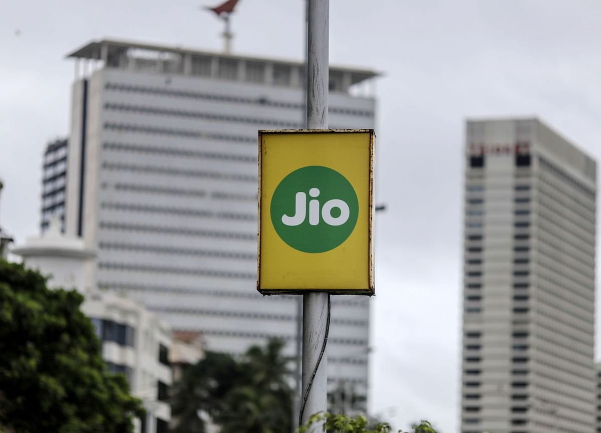 Jio's Postpaid Poses No Risk To Vodafone, Airtel, Says India Ratings