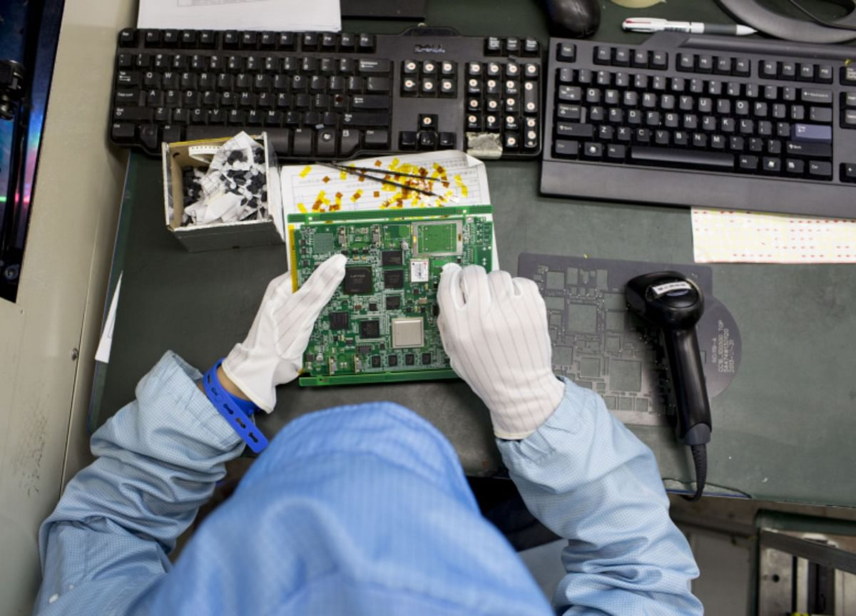China to Plan Sweeping Support for Chip Sector to Counter Trump