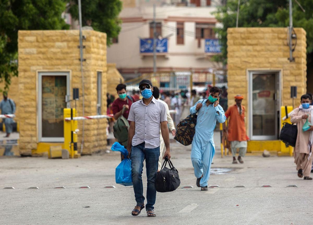 Pakistan's Economy Shows Momentum as Virus Cases Taper Off