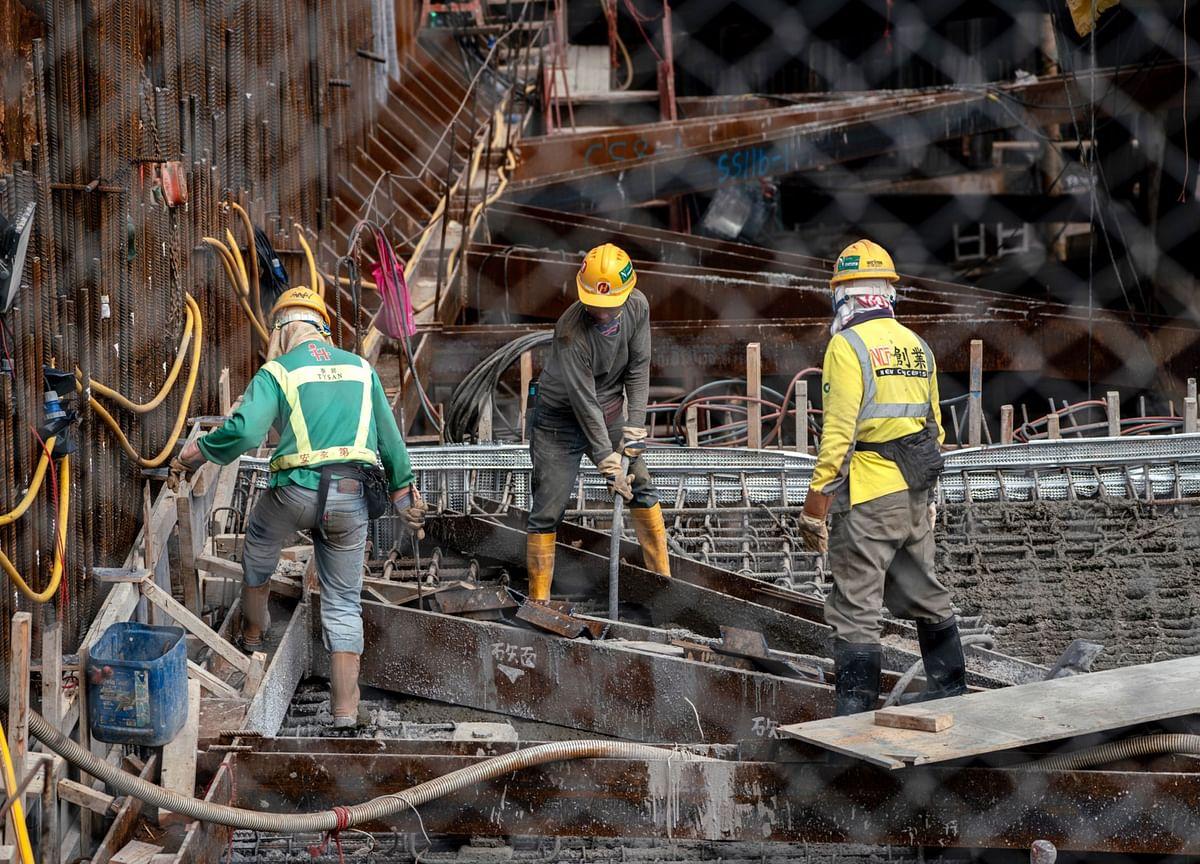 China Brings Xinjiang-Style Mass Labor to Tibet, Report Says