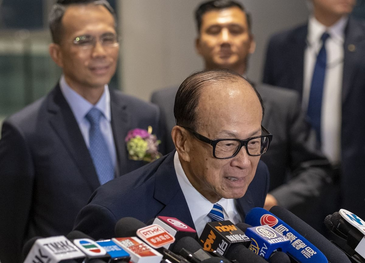 One-Third of Li Ka-shing's Wealth Is an $11 Billion Zoom Stake