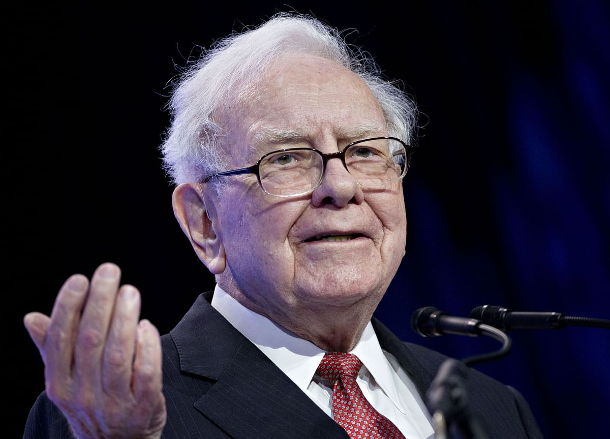 Buffett Leans Into New Way to Use Cash With Buybacks Surging