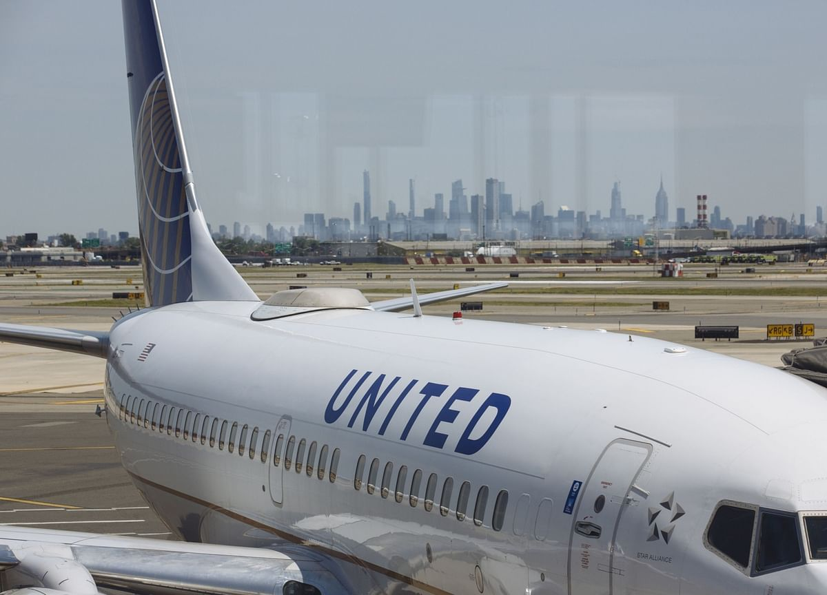 United, American Airlines Among Carriers Taking Covid Loans