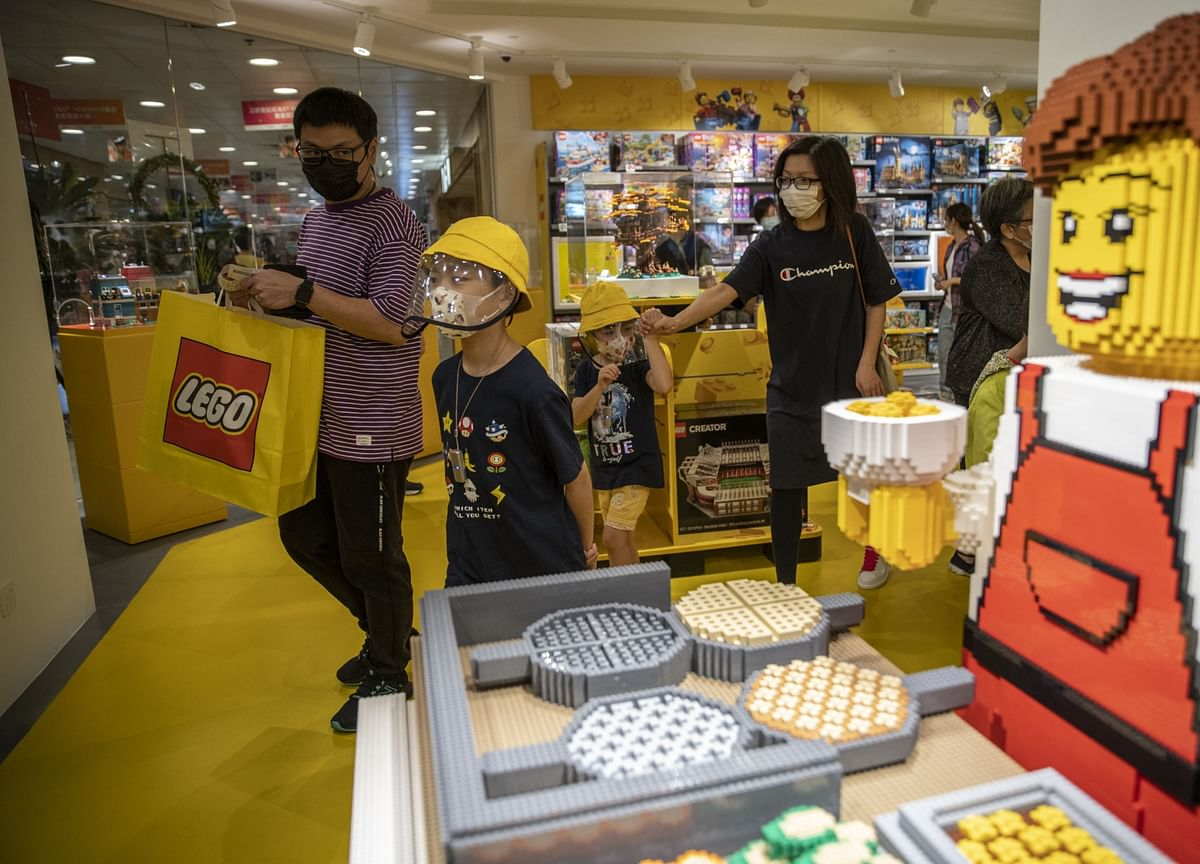 Lego to Invest $400 Million to Reduce CO2 Emissions, Plastic