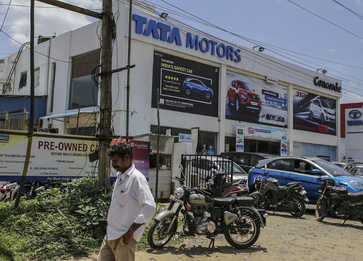 Motilal Oswal: Tata Motors Q2 Review - JLR Drives Beat; Working Capital Drives FCF To Positive Zone
