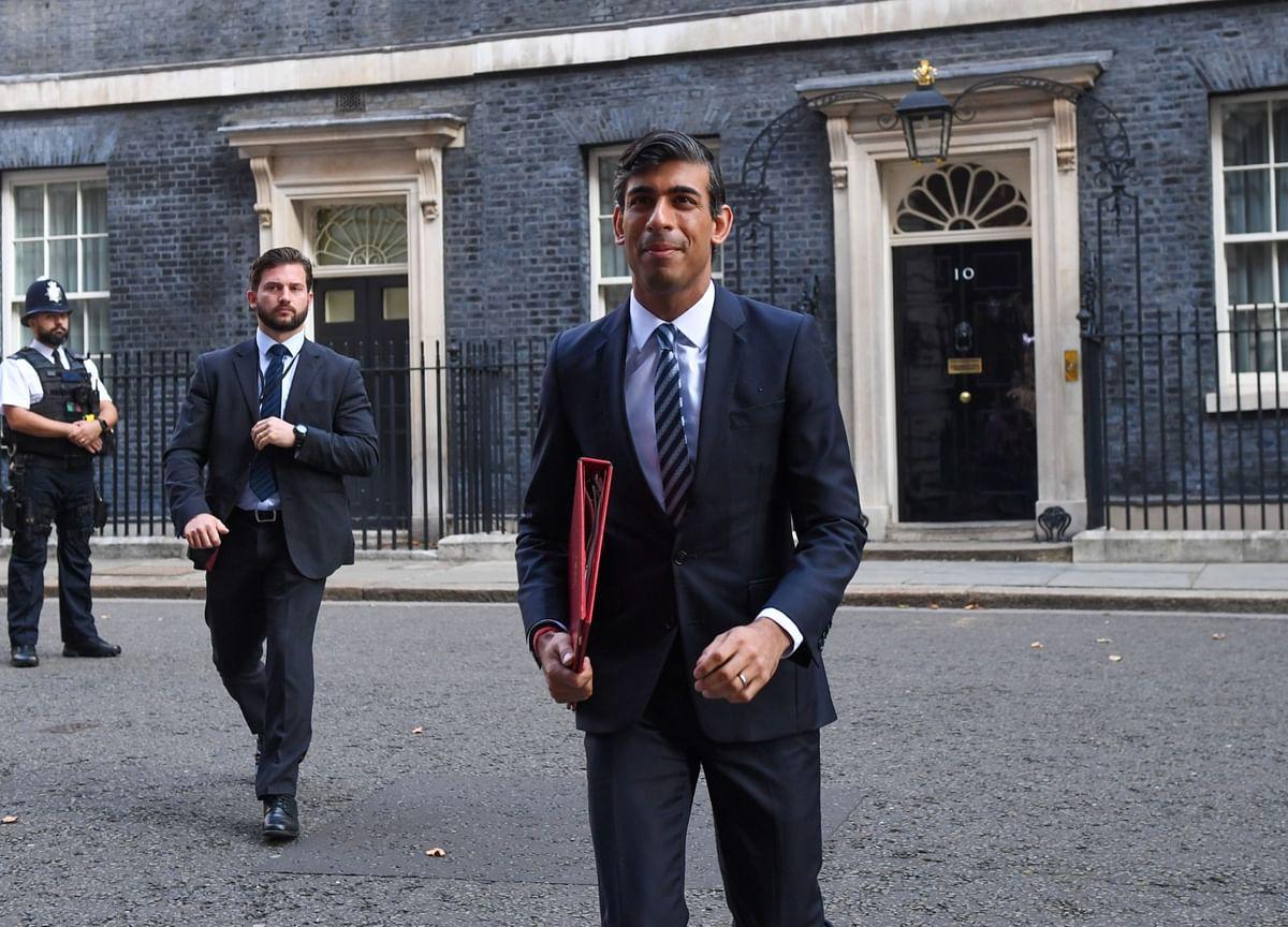 Sunak Boosts U.K. Aid Again as Economy Reels Under Virus Curbs