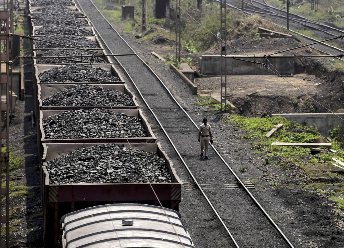 India May Close Its Dirtiest Coal Plants as Green Focus Grows
