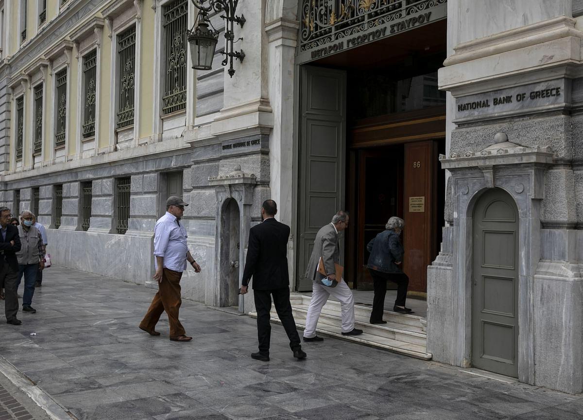 Fragile European Banks Bracing for Covid-Era Distressed Loans